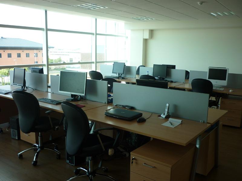 Open house oficinas 8 alquiler de oficinas en salamanca for Oficina correos salamanca